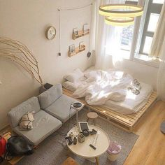 ~ Schlafzimmer Inspiration und Ideen - home Small Room Bedroom, Bedroom Decor, Bedroom With Couch, Futon Bedroom, Deco Studio, Studio Apartment Decorating, Studio Apartment Layout, Minimalist Room, Minimalist Studio Apartment