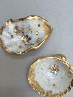 Seashell Painting, Seashell Art, Seashell Crafts, Beach Crafts, Oyster Shell Crafts, Oyster Shells, Sea Shells, Sea Glass Crafts, Resin Crafts