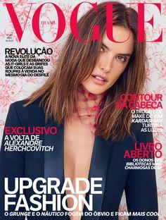 Alessandra sa smoking Karl Lagerfeld para Riachuelo e lenço de tule Prada (Foto: Vogue Brasil)