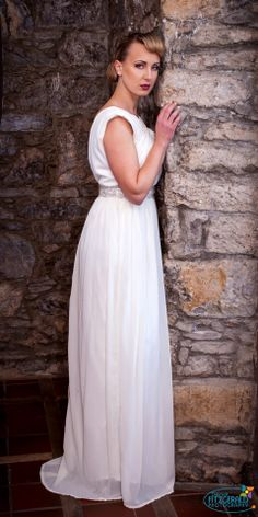 Facebook, Wedding Dresses, My Style, Fashion Design, Bride Dresses, Bridal Gowns, Weeding Dresses, Wedding Dressses, Bridal Dresses