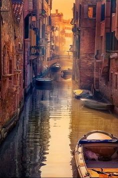 Download free Venice Canal Italy IPhone Wallpaper Mobile Wallpaper contributed by rickydavise, Venice Canal Italy IPhone Wallpaper Mobile Wallpaper is uploaded in iPhone Wallpapers category.