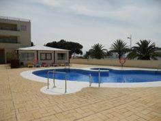 Dúplex en Caños de Meca. 80 m2, 2 habitaciones y 2 baños. Con piscina y jardín. A 2 minutos andando de la playa.   Duplex in Caños de Meca. 80 m2, 2 beds & 2 baths. With swimming pool & garden. Two minutes from the beach. 120.000€