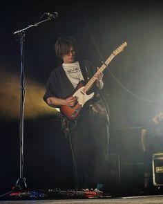 Y por último y no por ello menos importante tenemos a Emilio Saiz otro virtuoso de la guitarra.  #tropoMusic #concert #live #guitar #ivanFerreiro #unplugged #musica #directo #concierto #inConcert #music #musicgram #vsco #vscogood #vscogrid #vscohub #vscocam #photooftheday #sony #sonyA7 #A7 #sonyCamera #sonyAlpha #Alpha #alphaCamera #camera #mirrorless #humonegrophoto  #indie #LiveMusic -------------------------------------------------- Todos los derechos reservados  tropocolo 2017