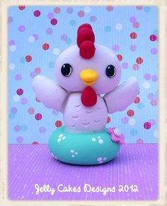 baby rooster topper by Jelly Cakes Designs Barnyard Cake, Barnyard Party, Fondant Toppers, Fondant Cupcakes, Polymer Clay Animals, Fimo Clay, Clay Projects, Clay Crafts, Jelly Cake