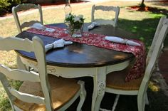 LOVE LOVE THIS stain on top, creamy distress on the bottom and beautifully curved chairs with details! Refurbished Kitchen Tables, Refurbished Furniture, Upcycled Furniture, Furniture Projects, Table Furniture, Furniture Making, Furniture Makeover, Home Projects, Painted Furniture