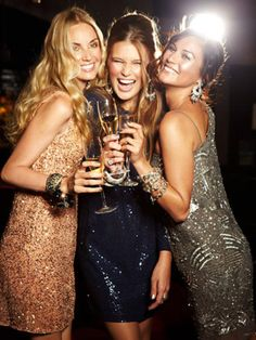 Girls night out. Dancing music laughing looking great having nice drinks. - Night Out Dresses - Ideas of Night Out Dresses Ladies Night, Girls Night Out, Girl Night, New Year Photoshoot, Foto Glamour, Ny Dress, Photowall Ideas, Holiday Makeup Looks, Night Pictures