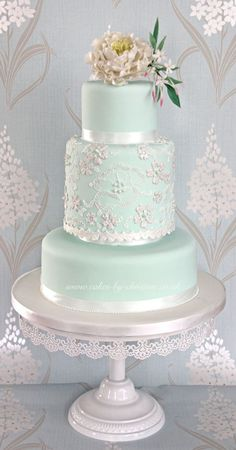 Mint peony and lace wedding cake design (Wedding Cake Lace) Candybar Wedding, Mint Wedding Cake, Wedding Mint Green, Beautiful Wedding Cakes, Gorgeous Cakes, Pretty Cakes, Lace Wedding, Wedding Flowers, Spring Wedding