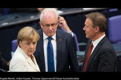 82 Prozent stehen hinter Parteichefin Merkel  Mit der Arbeit Angela Merkels als Bundeskanzlerin sind 86 Prozent der CDU-Mitglieder zufrieden, etwas mehr als mit ihrer Arbeit als Parteivorsitzende.
