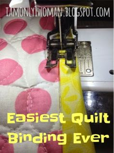 easiest quilt binding method ever. Binding a quilt with clear thread. So here is my method for binding a quilt with no hand sewing required, just your regular ol sewing machine and clear thread are all you need! Quilting For Beginners, Quilting Tips, Quilting Tutorials, Quilting Projects, Quilting Designs, Sewing Tutorials, Sewing Projects, Sewing Tips, Quilting Rulers