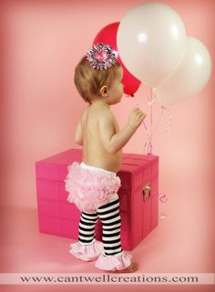 @Shannon Cait girl version of Riley's 1st birthday photo shoot!!! LOL