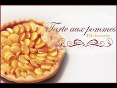 Tuto: Tarte aux pommes/ Tutorial: Apple Pie She uses Pebeo Vitrail Transparent glass paint - yellow 14 and deco gel for the sauce.