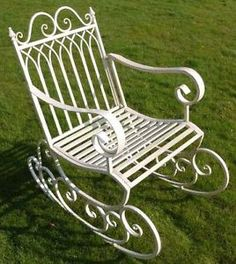 Brilliant Wall Art Victorian Style Metal Garden Rocking Chair In A Shabby Chic Finish Shabby Chic Porch, Shabby Chic Desk, Shabby Chic Garden, Shabby Chic Living Room, Shabby Chic Interiors, Shabby Chic Cottage, Shabby Chic Homes, Shabby Chic Furniture, Shabby Chic Painting