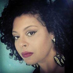 @sylviavitoriano #makeup #maquiagem #maquiagembrasil #beautiful #moda #anastasiabeverlyhills #mac #makeupforever #nars #nyx #urbandecay  #cultura #history #culture #historia #fashion #colorful #naturalbeauty #face #makeupartist #model #modelo #blackwoman #transformation #makeupaddict #photography #instabeauty #instamakeup #braziliangirl  #SVithoriano Natural Beauty from BEAUT.E