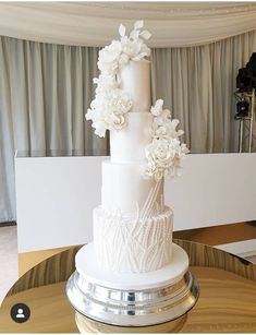 Our unique wedding cakes are creative, bold, artistic and contemporary. Gourmet cake flavours created by foodies. Our award winning luxury wedding cakes are based in Glasgow, covering Edinburgh and Scotland. Wedding Cake Base, Tall Wedding Cakes, Wedding Cake Centerpieces, Luxury Wedding Cake, Purple Wedding Cakes, Amazing Wedding Cakes, Elegant Wedding Cakes, Wedding Cake Designs, Elegant Cakes