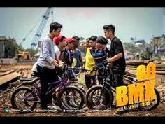 Narabite - Dunia Menunggu Kita OST Go BMX MNCTV | Lirik Video Official - YouTube