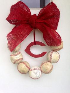 Cincinnati Reds Burlap Baseball Wreath. $48.00 Can be customized with any team. Perfect gift for baseball fans!