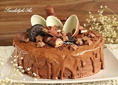 Na wczorajsze 9 urodziny Oliwki upiekłam tort mega czekoladowy. Masa śmietankowo-nutellowa, polewa z czekolady i mnóstwo ulubionych czekola...