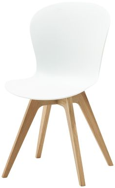 Our designer dining chairs expertly balance supreme comfort with bright contemporary designs. Discover the BoConcept range of modern dining chairs. Boconcept, Hipster Home, Esstisch Design, Interior And Exterior, Interior Design, Contemporary Dining Chairs, Dining Table Design, Decoration, Chair Design