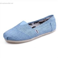 Toms Womens Bamboo pattern shoes Blue On Sale! / My kids love Toms.but they're way too much for my budget. Women's Shoes, Cheap Toms Shoes, Toms Shoes Outlet, Tom Shoes, Toms Boots, Blue Toms, White Toms, Red Toms, Pink Toms