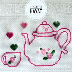 Kanavice Cross Stitch Heart, Cross Stitch Cards, Simple Cross Stitch, Cross Stitch Borders, Cross Stitch Flowers, Cross Stitch Designs, Cross Stitching, Cross Stitch Embroidery, Cross Stitch Patterns