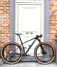 Hardtail Mountain Bike, Mountain Bike Shoes, Mountain Biking, Downhill Bike, Mtb Bike, Bike Trails, Bmx, Scott Bikes, Push Bikes