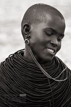 a—fri—ca: Samburu Girl, Kenya - Photo by antonio nunes