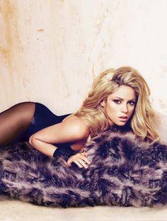 13. #Shakira - 15 la plupart des #célébrités « Taille #réelle » fabuleux... → #Celebs
