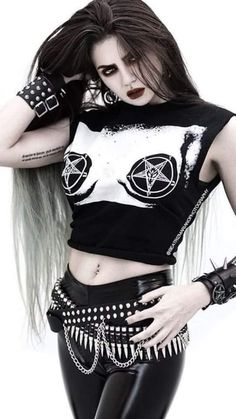 Three Gothic Fashion Tips That You Should Use – Angels and Demons Hot Goth Girls, Gothic Girls, Goth Beauty, Dark Beauty, Blonde Beauty, Dark Fashion, Gothic Fashion, Fashion Tips, Style Fashion