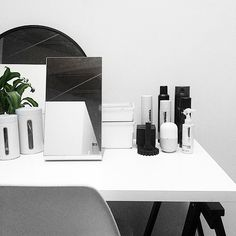 Just did a major clean out/organisation of my makeup (and filmed it too). How I set up my makeup desk will be the next video in my minimalism series on my channel, I seriously LOVE filming these!!