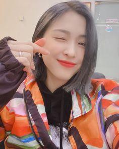 Chuncheon, Kpop Girl Groups, Korean Girl Groups, Kpop Girls, K Pop, Got7, Programa Musical, Wattpad, New Girl