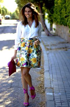 Fashion and Style Blog / Blog de Moda . Post: Oh My Looks Look / Look Oh My Looks ( Pedidos / Orders : info@ohmylooks.com ) .More pictures on/ Más fotos en : http://www.ohmylooks.com .Llevo/I wear: Blouse / Blusa ; Skirt / Falda ; Bag / Bolso : Oh My Looks ; Sandals / Sandalias : Pilar Burgos