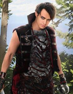 descendants 3 Harry Hook being bad's natural Descendants Characters, Disney Descendants 3, Descendants Cast, Descendants Pictures, Halloween Wigs, Halloween Costumes For Girls, Girl Costumes, Thomas Doherty Descendants, Harry Hook