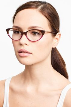Call us biased (we'll take it) but we think girls in glasses rule. And, while it's not easy for every face to rock every pair of specs, there's one style that tends to suit all: the chic-geek frame.  All of our favourite adorkables — Mindy Kaling, Zooey Deschanel, Liz Lemon Tina Fey —