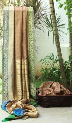 Lakshmi Handwoven Banarasi Silk Sari 000050 - Saris / Banarasi - Parisera