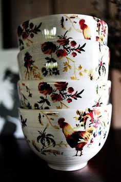 Francais Cereal Bowls Rooster Francais Cereal Bowls made exclusively for Williams-Sonoma by artist Marc Lacaze.Rooster Francais Cereal Bowls made exclusively for Williams-Sonoma by artist Marc Lacaze. Rooster Kitchen Decor, Rooster Decor, Rooster Plates, Chicken Kitchen Decor, Ceramic Rooster, Red Rooster, Cozinha Shabby Chic, Diy Vintage, Chickens And Roosters