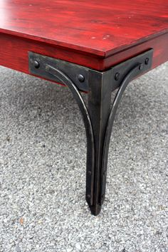 Vintage industrial decor – Eclectic Home Decor Today Wood Furniture Store, Metal Furniture, Furniture Buyers, Furniture Cleaning, Automotive Furniture, Automotive Decor, Furniture Removal, Handmade Furniture, Luxury Furniture