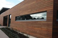 Urbanline's Newport Hardwood Cladding brings a beautiful finish to any project, including seamless lines and concealed fixings. Shiplap Cladding, Timber Cladding, Spotted Gum Decking, Types Of Cladding, External Cladding, Contemporary Apartment, Timber House, Reno, Houses