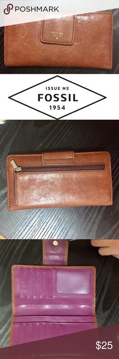 Gorgeous Leather Wallet Beautifully aged leather wallet in a cognac brown color. No tears, stains or cracks. EUC. Fossil Bags Wallets