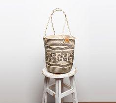 Strandtaschen - Shopper aus Bast ♥ - ein Designerstück von frauaverliebtinbali bei DaWanda