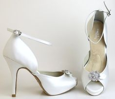 eda3c7a3af Shop online Dyeable Diamond White Angela Nuran Starletta from Model Bride,  a complete online bridal store for gowns, shoes and accessories.