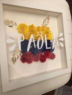 Personalized paper flower frame with Venezuela/Colombian flag Colombian Flag, Flower Frame, Paper Flowers, Art Work, Destination Wedding, Cricut, June, Diy Crafts, Crafty