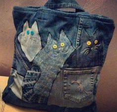 Cute project from old jeans Denim Bags From Jeans, Denim Purse, Old Jeans, Jean Purses, Purses And Bags, Denim Handbags, Cat Bag, Denim Crafts, Recycled Denim
