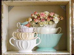 The repetition of the ceramic shape - Scarlet Violet florists , London Vintage China, Vintage Love, Vintage Flowers, Vintage Decor, Vintage Beauty, Mccoy Pottery, Vintage Pottery, Cottage Chic, Cottage Style