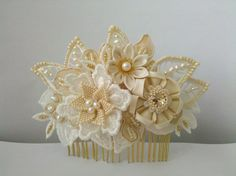 Carly ivory and champagne Bridal Headpiece comb por PetiteLumiereCo