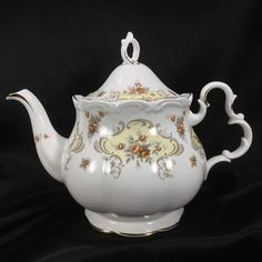 Royal Albert September Song Teapot Fine English China Tea   1970.