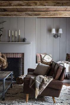 Déco rustique moderne - Hudson Valley Home par Jersey Ice Cream Co Room Design, Gravity Home, Interior, Home, Family Room Design, Room Inspiration, House Interior, Interior Design, Rustic House