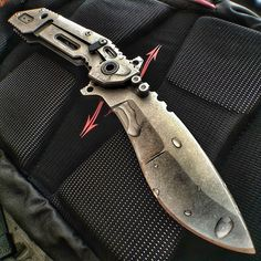 The Quartermaster Knives Boss Hog Knife is a Beast that is ready for hard use! Check it out... http://www.osograndeknives.com/catalog/knives/quartermaster-knives-qsa-1-boss-hog-4.25-inch-stonewash-kukri-blade-g10-and-stainless-steel-handle-qtrm5tr-25746.html
