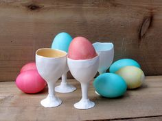 Lot de 2 coquetiers en porcelaine, Pâques, cadeau de printemps... l'oeuf en céramique titulaire ou coup de verre, coquetier