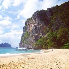 #wheninpalawan #elnidogram #elnidopuro #letspalawan #intothewild #thebeachlife #the_ph #phil_spots #outdoors #itsmorefuninthephilippines… Ph, Outdoors, Beach, Water, Life, Instagram, Outdoor, Gripe Water, The Beach