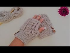 This Pin Was Discovered By Col - Marecipe Crochet Fabric, Crochet Shoes, Diy Crochet, Crochet Stitches, Crochet Patterns, Fingerless Gloves Crochet Pattern, Mittens Pattern, Crochet Beanie, Crochet Arm Warmers